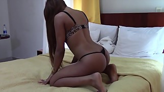 Incredible Latina Dancing TWERKING to Music Song on platinumwebcam.com