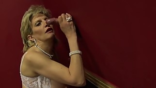 LADY SONIA empties the Gloryhole